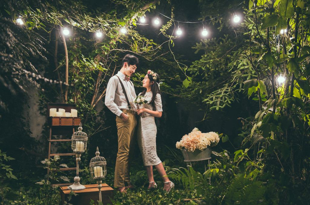 Studio & Outdoor Premium Wedding Photography